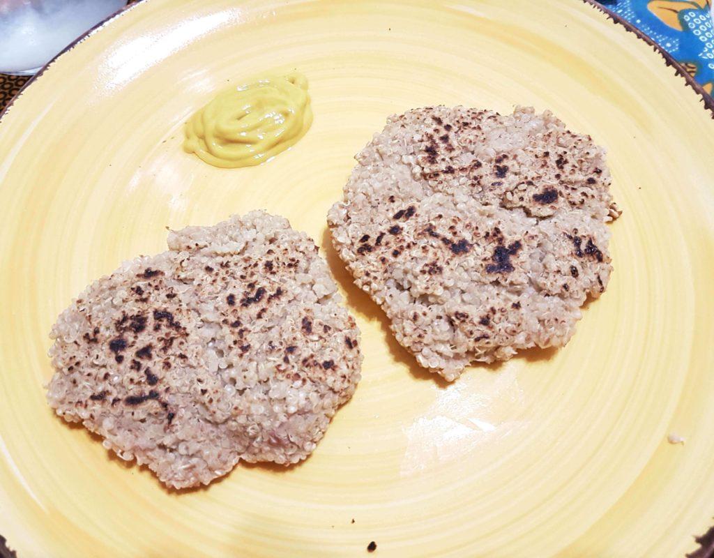 hamburger di quinoa e fagioli